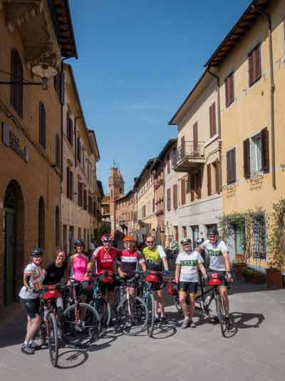 Saddle Skedaddle cycling tour group in Tuscany