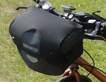 Quick release handlebar bag for valuables